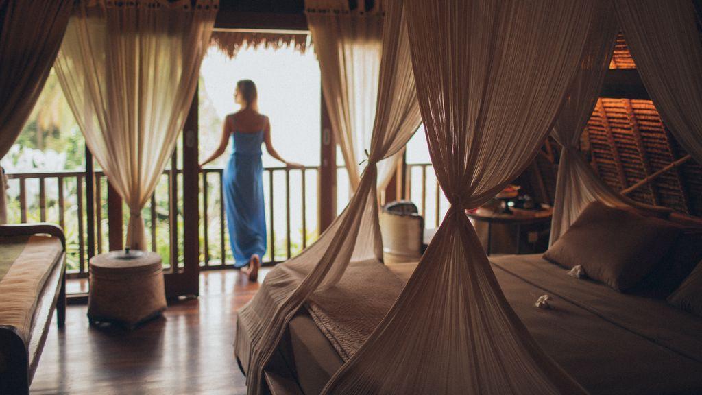 Sábanas de seda, jacuzzi o vistas al mar: habitaciones de ensueño para una noche de bodas inolvidable