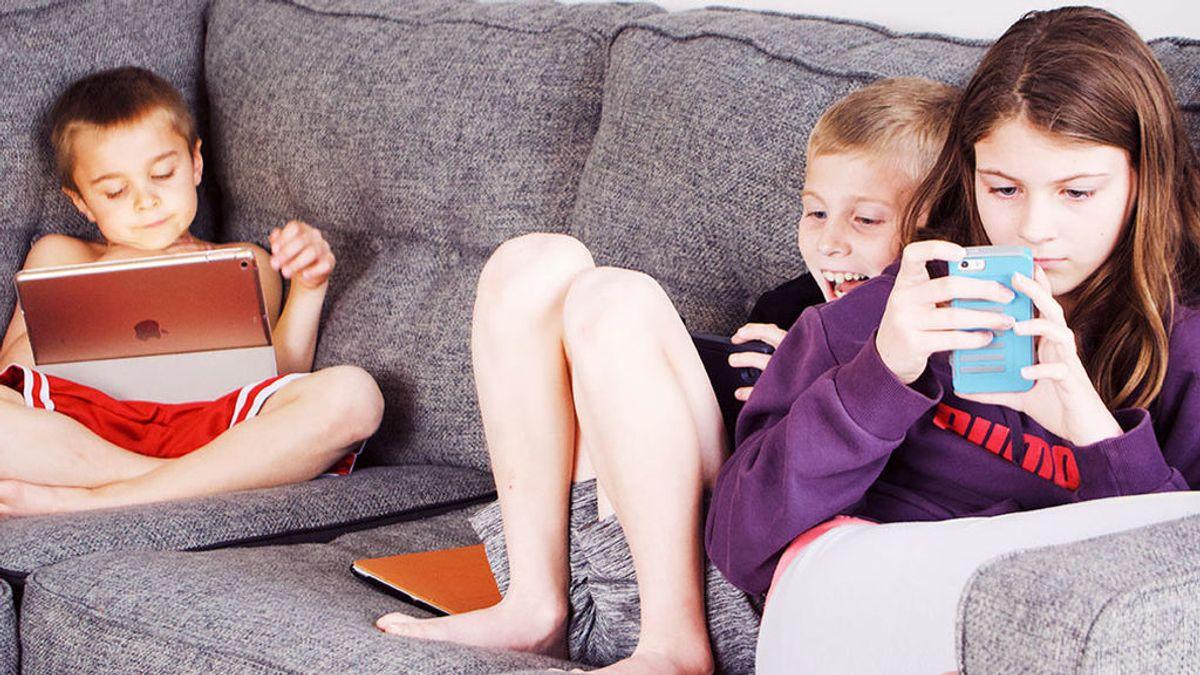 Si, las pantallas están reduciendo la inteligencia de nuestros hijos: qué recomienda  la psiquiatra Marian Rojas