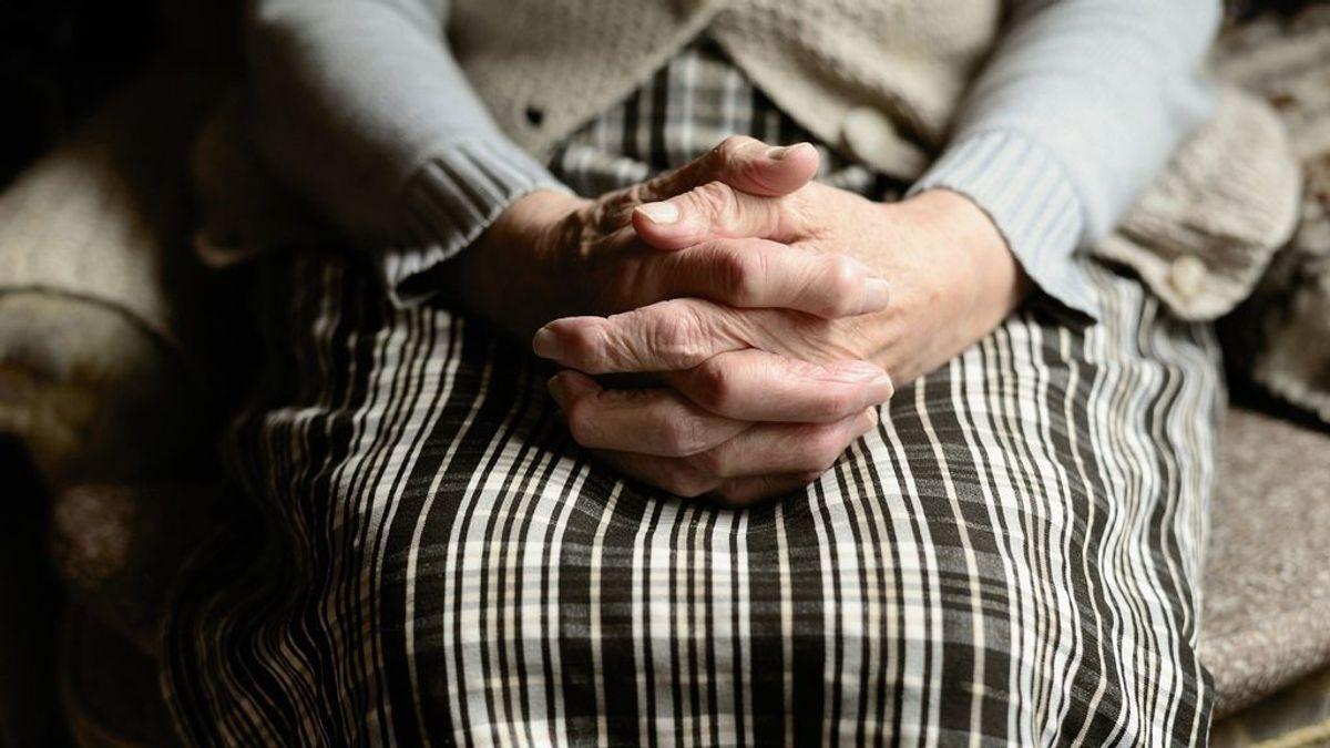 """Doña Luisa, una maestra de 106 años: """"El cariño y el respeto es lo único que hace funcionar los colegios"""""""