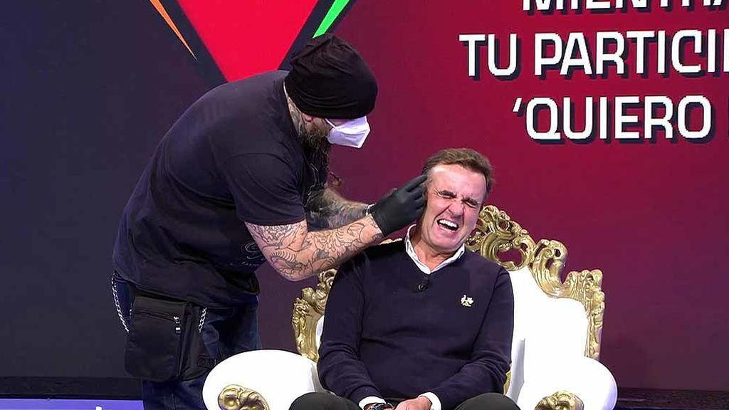 ¡Insólito! Antonio Montero se hace un piercing en directo: tendrá que lucir un aro durante todo su paso por 'Quiero dinero'