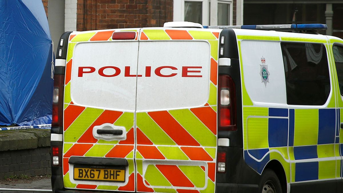 """Cuatro niños mueren en un incendio en Inglaterra después de que sus padres """"se durmieran fumando"""""""