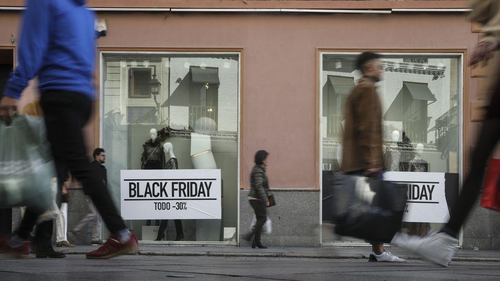Siete de cada diez personas comprarán en el Black Friday, el 40% de ellos por encima de sus posibilidades