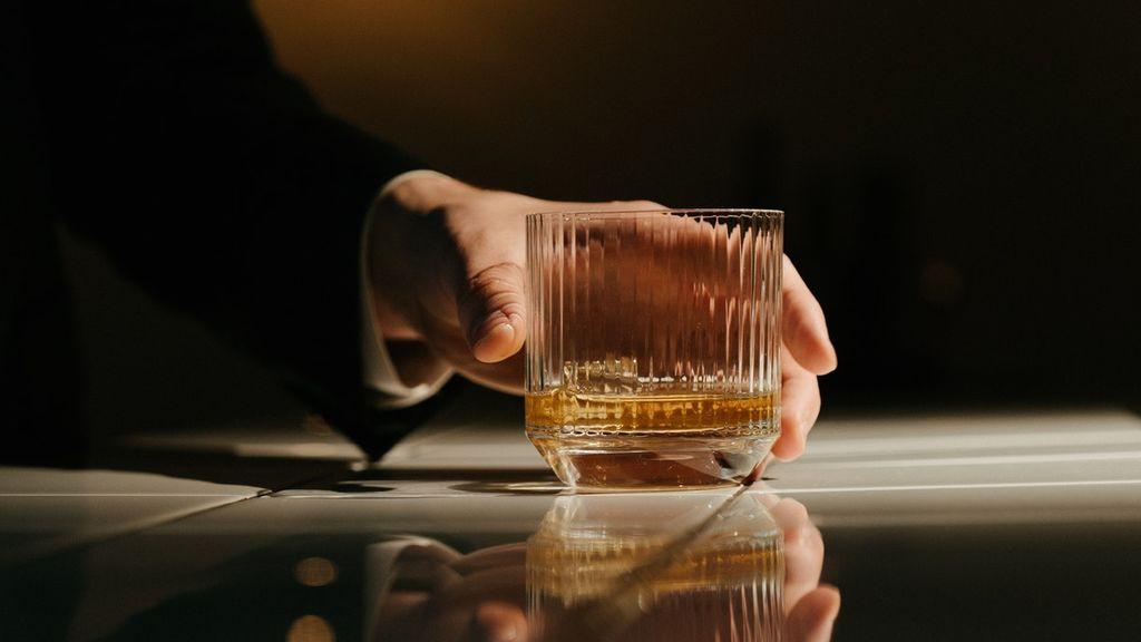 Whisky on the rocks o combinado: claves para elegir tus vasos según como tomes el whisky