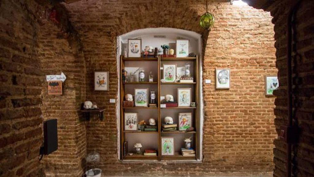 Pasillo de la librería Cervantes y Compañía