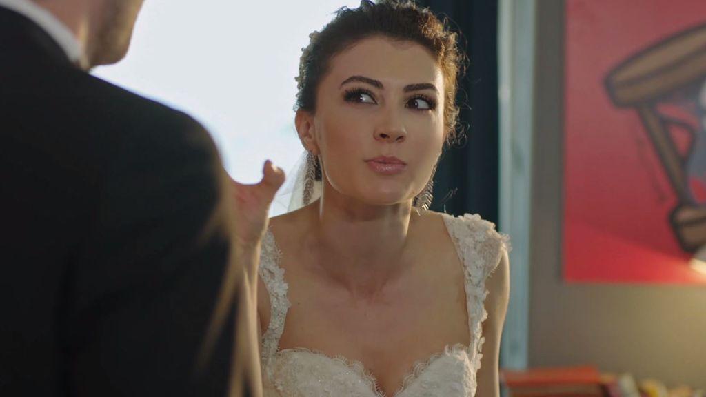 Ayse se niega a casarse tras descubrir la mentira de Kerem sobre el acuerdo prematrimonial