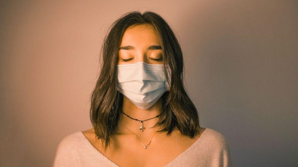 Ni el frío mata al coronavirus ni la lejía evita su contagio: la guía de la OMS para combatir la desinformación