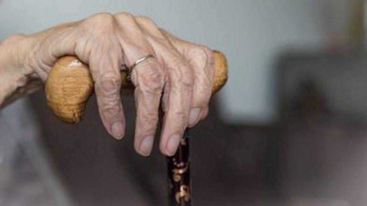 Muere en su casa en Asturias, aislada por coronavirus, mientras  dos de sus hijos están en la UCI