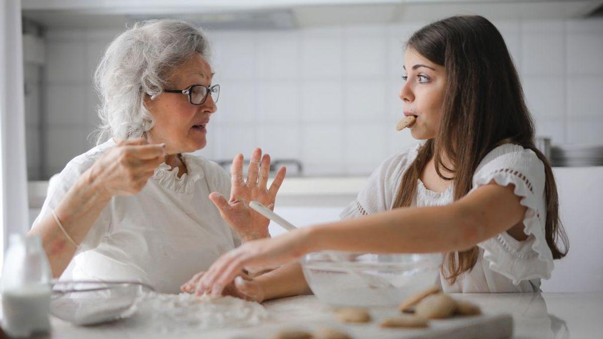 Desmontando mitos sobre la soledad: los mayores de 60 es el colectivo que se siente menos solo y el que se declara más satisfecho con su vida