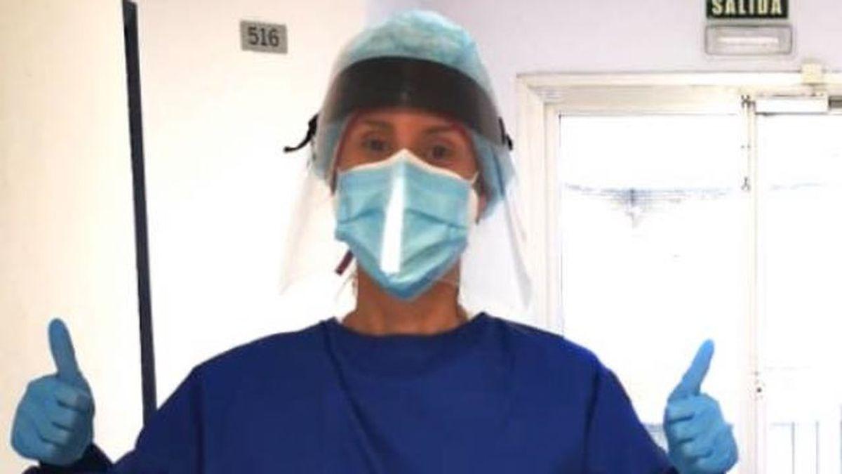 """""""Sonríes al paciente para que no note el agotamiento"""": la guardia de una enfermera en una planta Covid"""