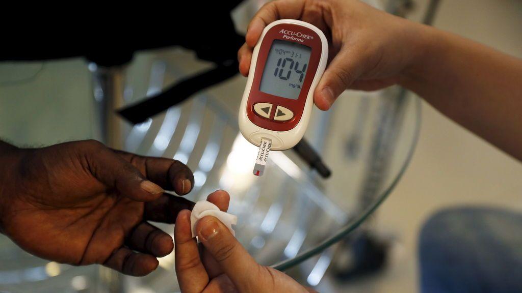 Un estudio revela que los niveles altos de azúcar en sangre elevan la mortalidad en enfermos de coronavirus