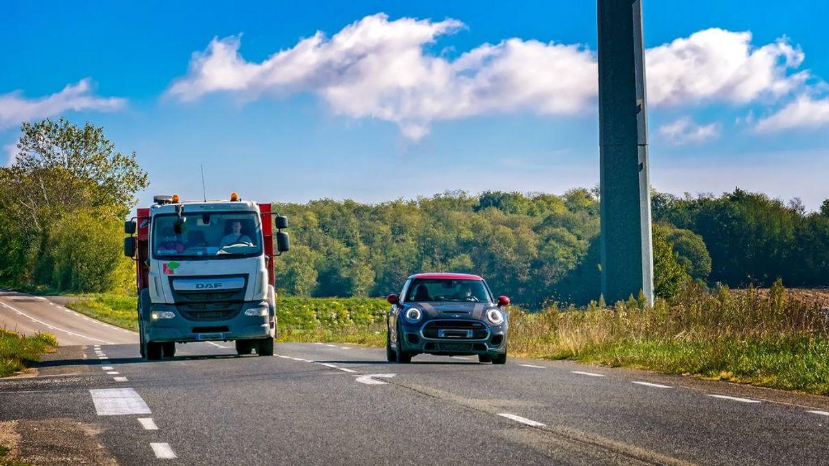La nueva norma de la DGT en los adelantamientos que no conocen la mayoría de conductores