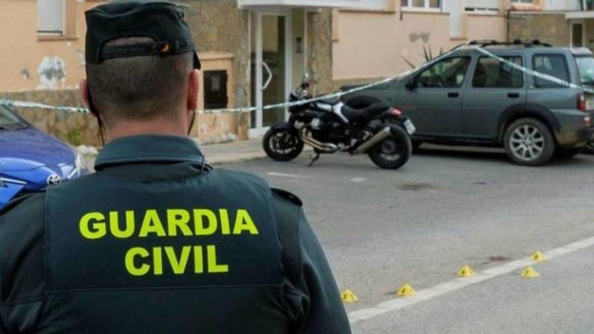 Arrolla con su coche la moto de una mujer de la que tenía una orden de alejamiento y se suicida en Valencia