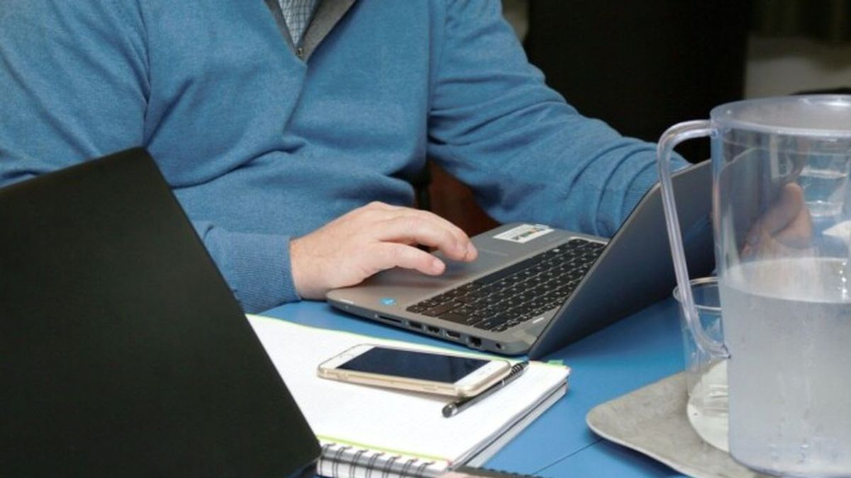 ¿Cuándo deberíamos volver a trabajar a la oficina? : un experto ofrece la respuesta más clara