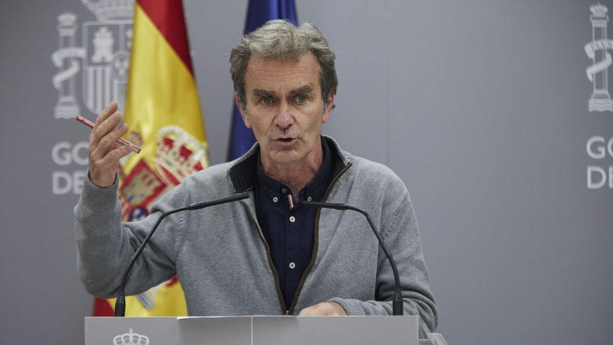 Los colegios de médicos piden el cese de Fernando Simón y que un comité de expertos gestione la pandemia