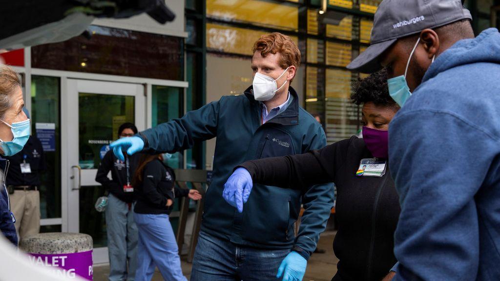 EE.UU. rebasa los 11 millones de casos confirmados de covid-19