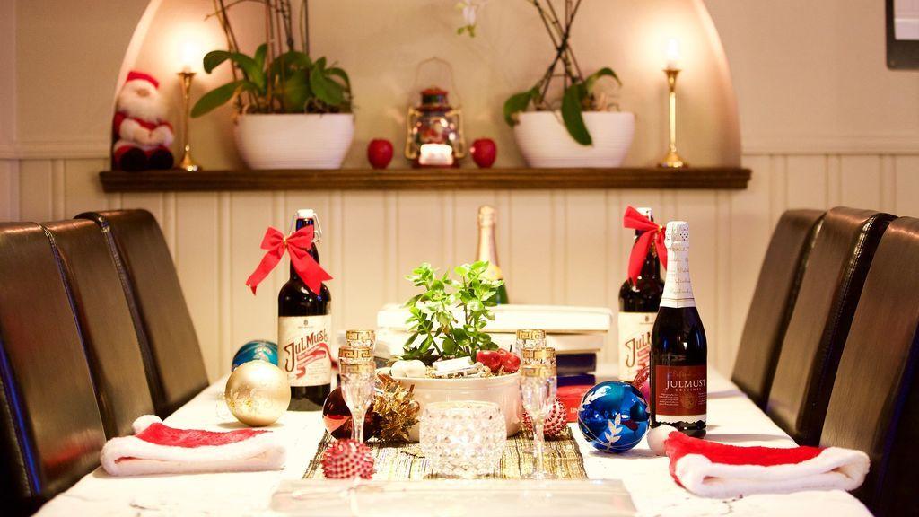 Una empresa aragonesa regala cheques restaurante a sus 380 empleados al no poder celebrar la cena de Navidad