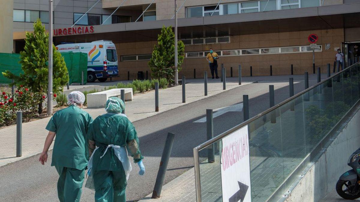 Andalucía baja por primera vez en 27 días los ingresos en UCI y los hospitalizados disminuyen en 150
