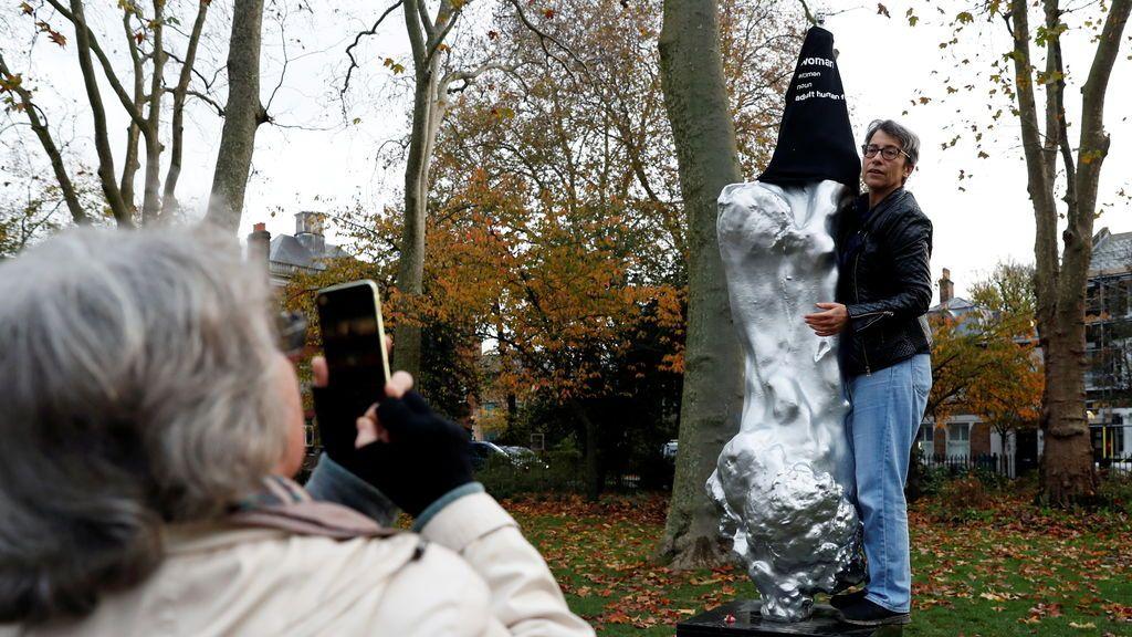 Estatua Mary Wollstonecraf