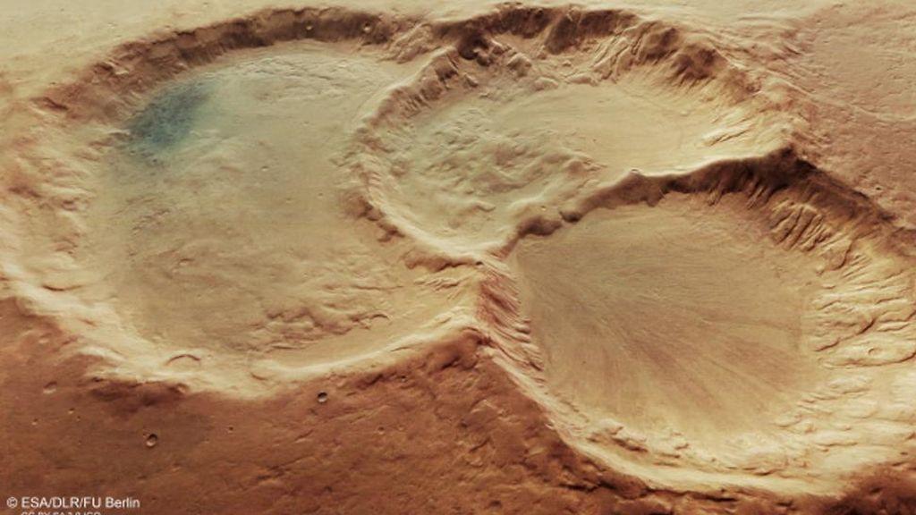 Descubren  un triple cráter inmenso y poco común en Marte que deja unas increíbles imágenes