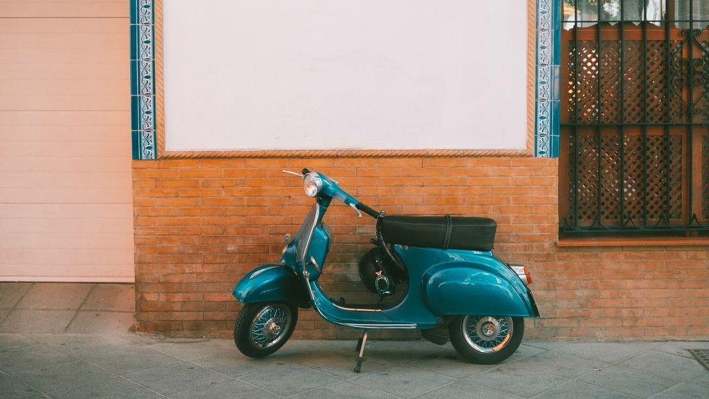 Historia de la Vespa: de marca para la clase media de los 50 a leyenda viva del motor