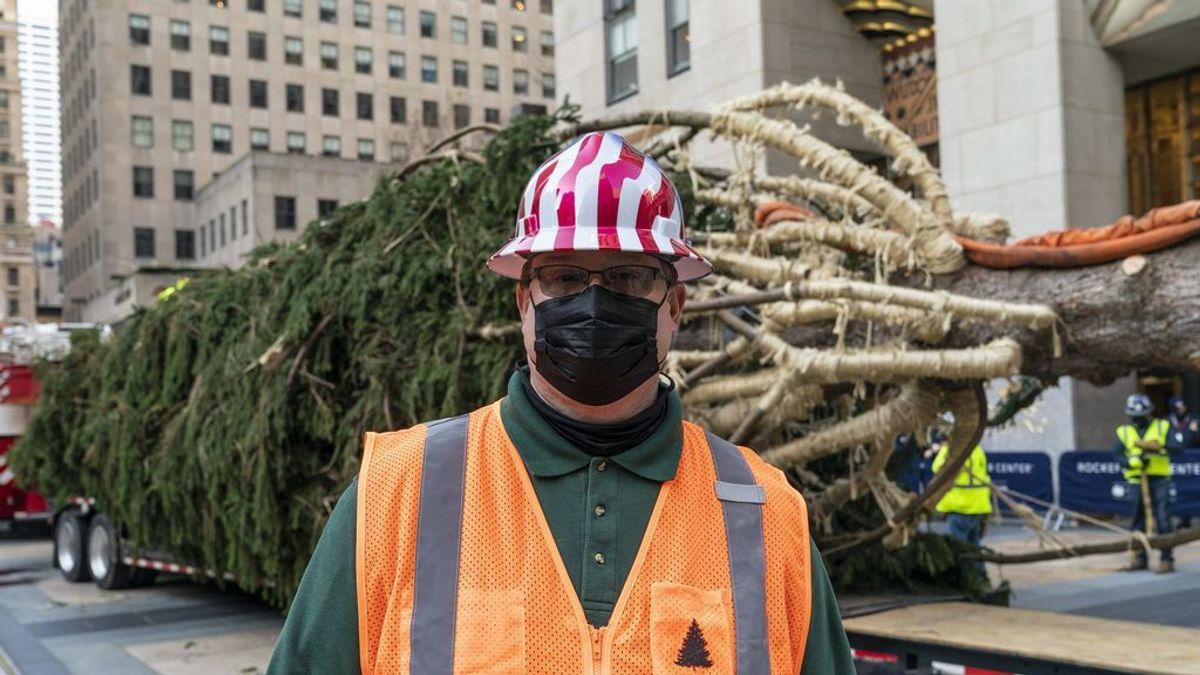 El Rockefeller Center de Nueva York ya tiene su árbol de Navidad: 23 metros y 11 toneladas de esperanza