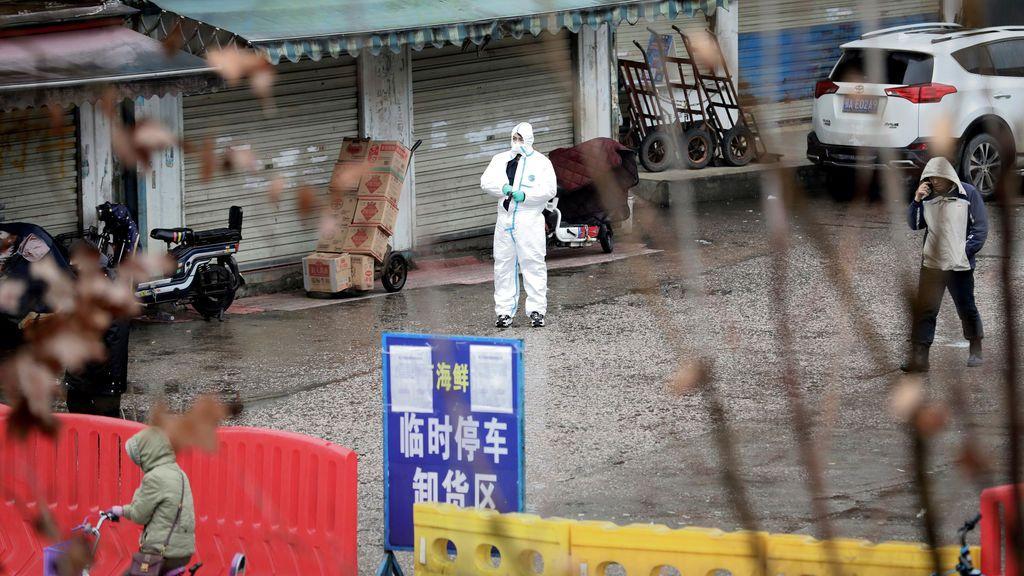 Un año del contagio del paciente uno en China, pero ni rastro del paciente cero