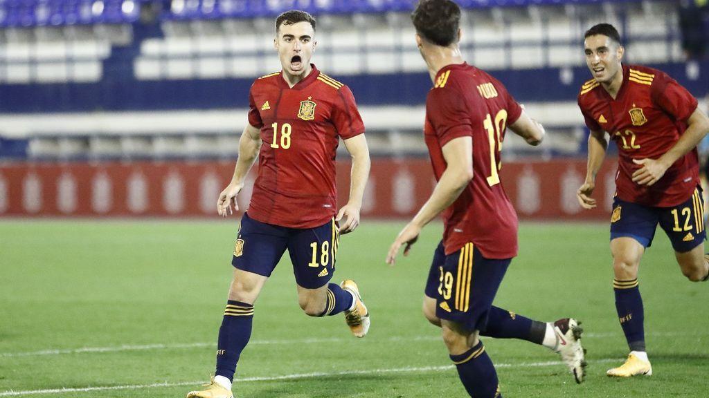 Los jugadores de la Sub-21 celebran un gol ante Islas Feroe.