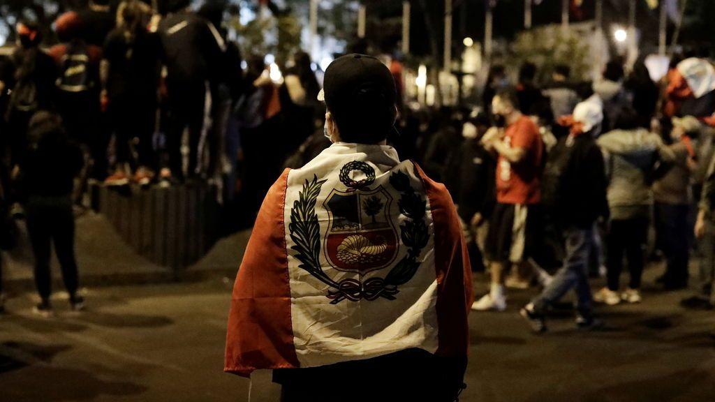Denuncian al expresidente de Merino y al primer ministro de Perú por la muerte de los dos manifestantes