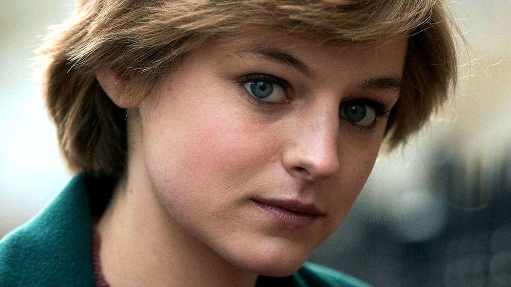 Emma Corrin es Diana de Gales en 'The Crown'