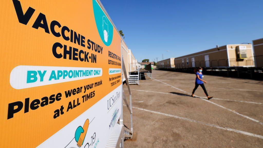 Reino Unido prueba ya en miles de voluntarios tres vacunas en fase 3