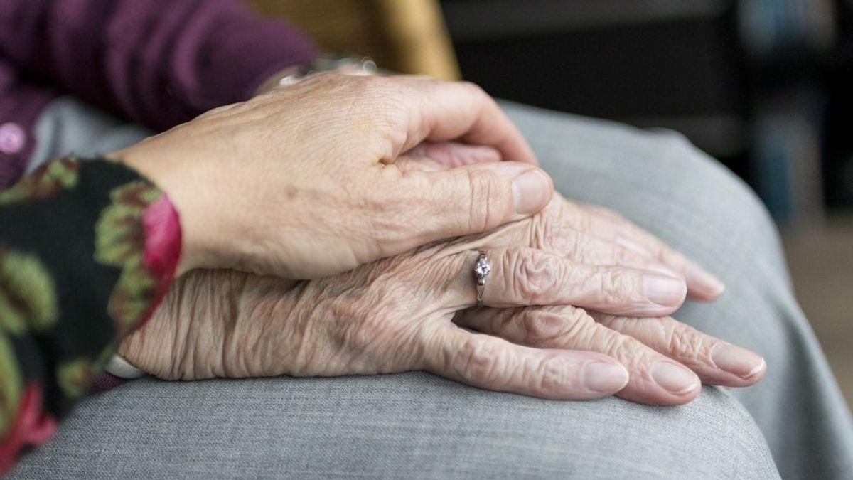Las personas dependientes han sufrido un exceso de mortalidad de 40.000 fallecidos hasta octubre