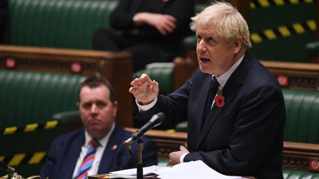 Johnson gobernará por videollamada durante las dos semanas en cuarentena