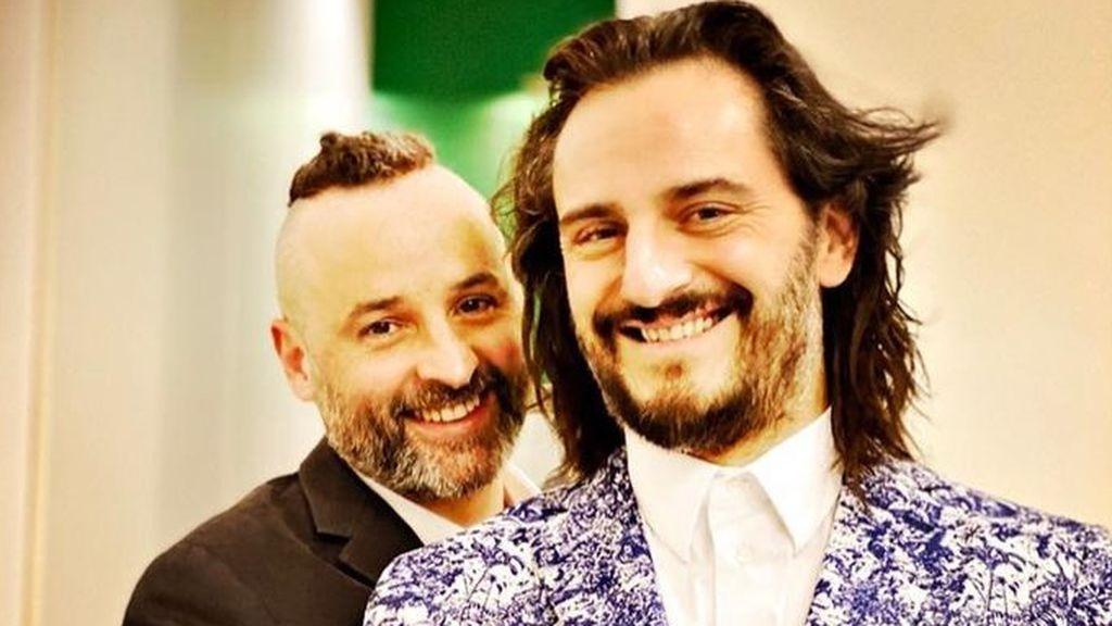 Asier Etxeandia y José Luis Huertas celebran 12 años de amor: de su boda en Las Vegas al beso de película ante las cámaras