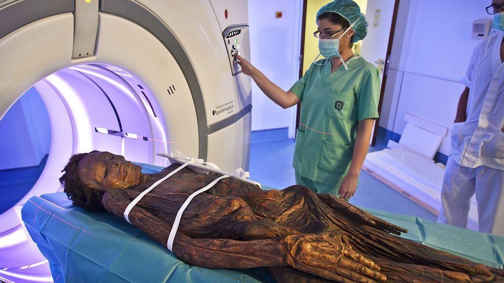 Ni los faraones fueron tan bien embalsamados: desvelan los secretos de la momia guanche mejor conservada
