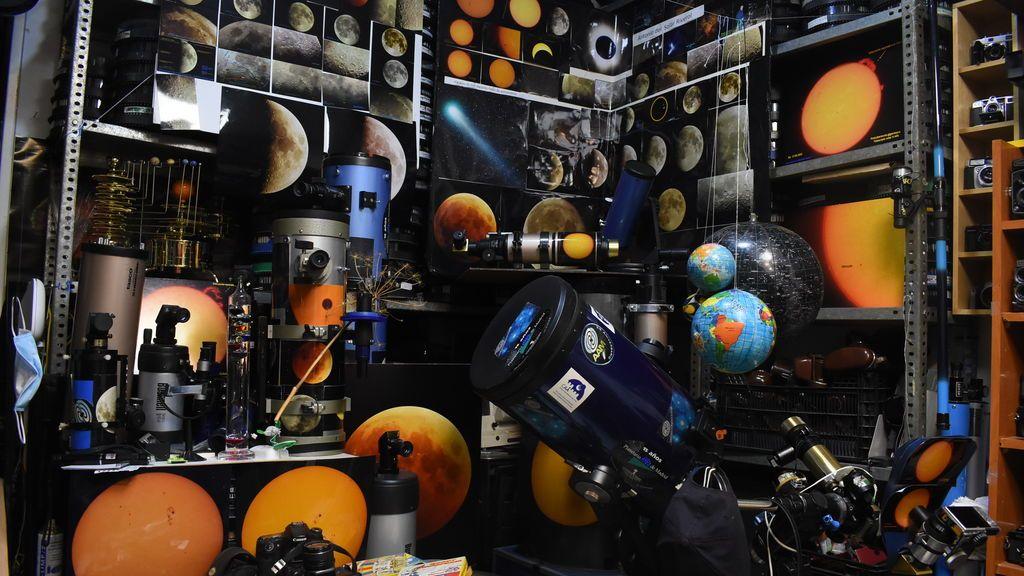 Cámaras, telescopios y muchas fotos de los astros y la Luna