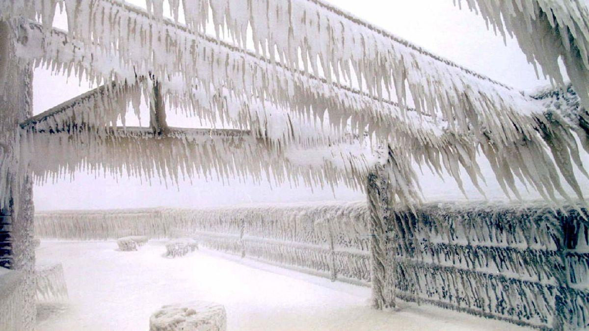 Nevada por efecto lago: cuando una ráfaga de viento congela varias casas de golpe