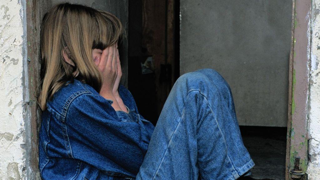 Condenada a estar un año separada de sus hijos tras pegarles para que estuvieran quietos