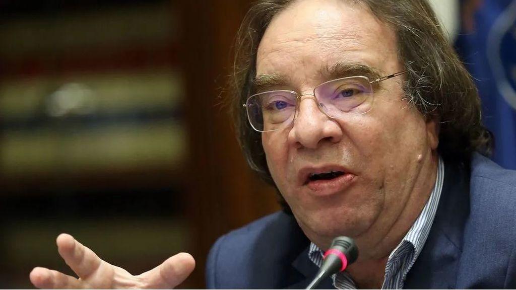 """Amós García, vacunólogo: """"La alternativa a no vacunarse es el dolor, la crisis económica y la muerte"""""""