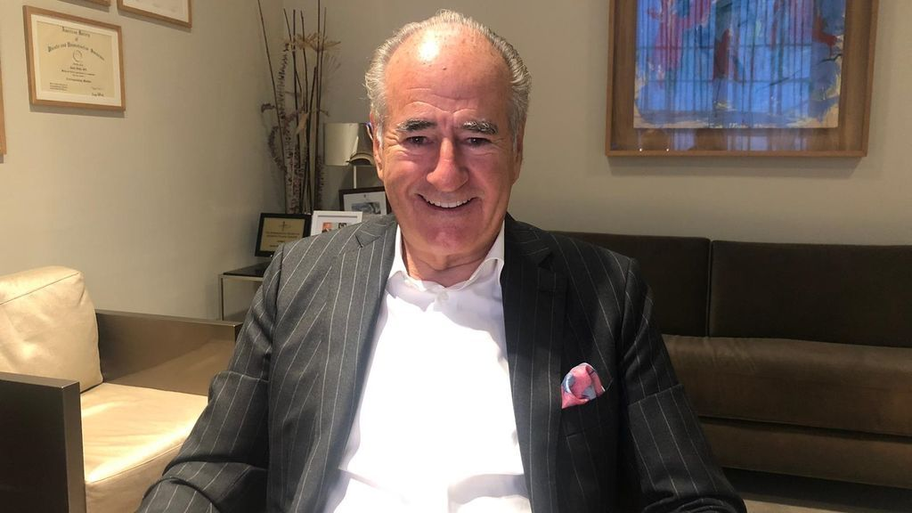Joana Bonet entrevista al doctor Javier de Benito