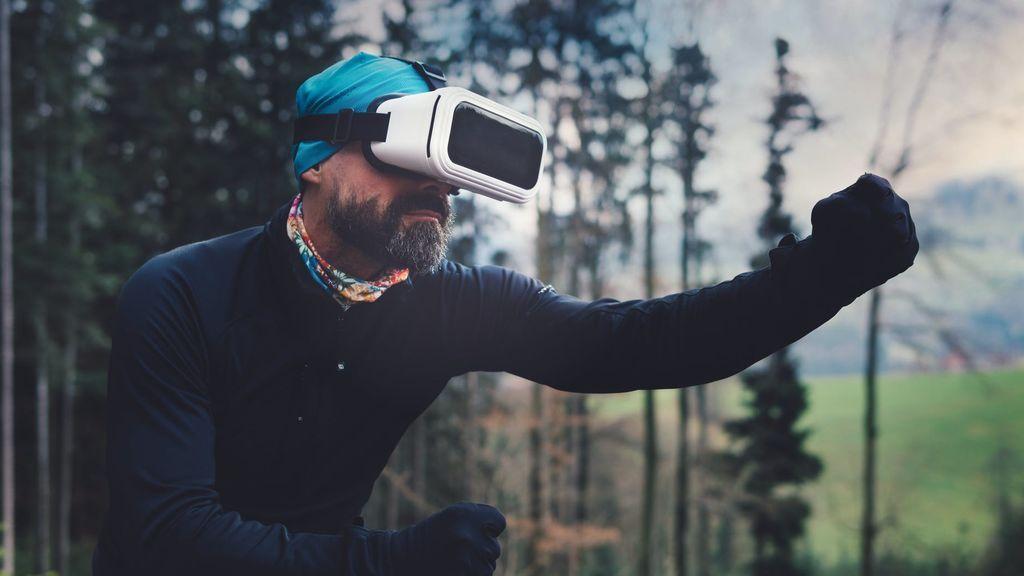 Mucho más que hacer deporte por Zoom: gimnasios virtuales, una alternativa segura para entrenar pasados los 50
