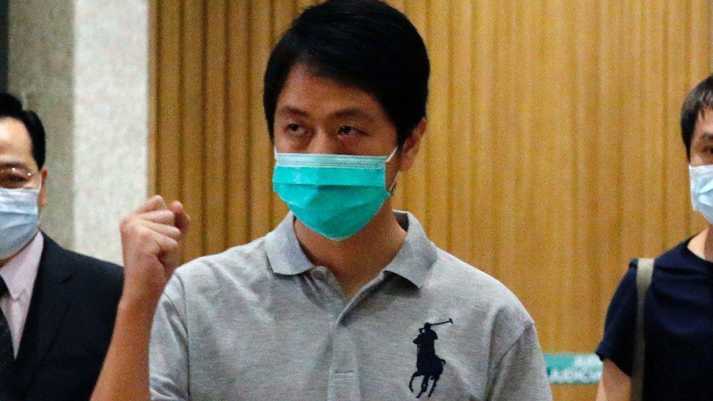 Arrestan a tres exlegisladores de Hong Kong por arrojar sustancias pestulentas en las revueltas