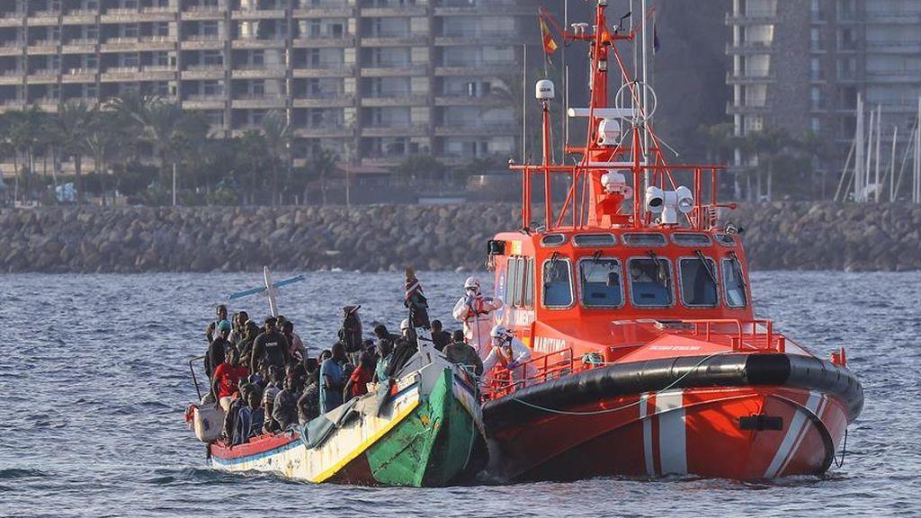 Salvamento marítimo rescata 53 inmigrantes que viajaban en dos pateras a la deriva cerca de Gran Canaria