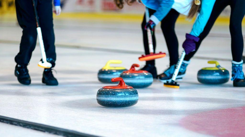 """Cómo se juega al curling o """"bolos ingleses"""""""