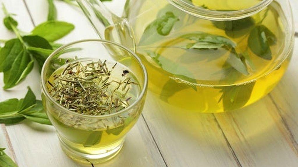 El té verde ayuda también a reducir los niveles de glucosa en la sangre