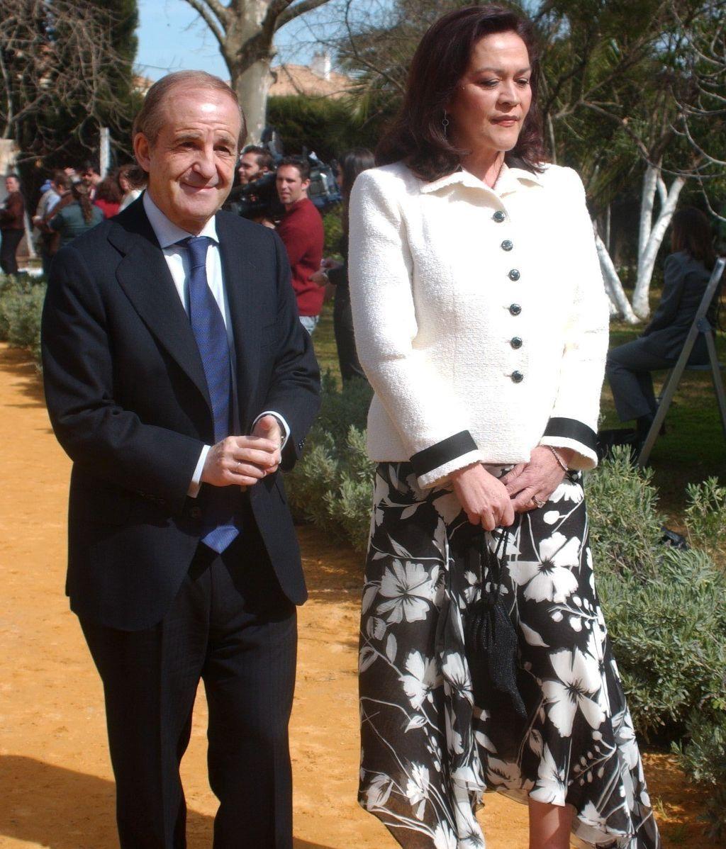 El periodista José María García y Montse Fraile son los suegros de Ariadne Artiles
