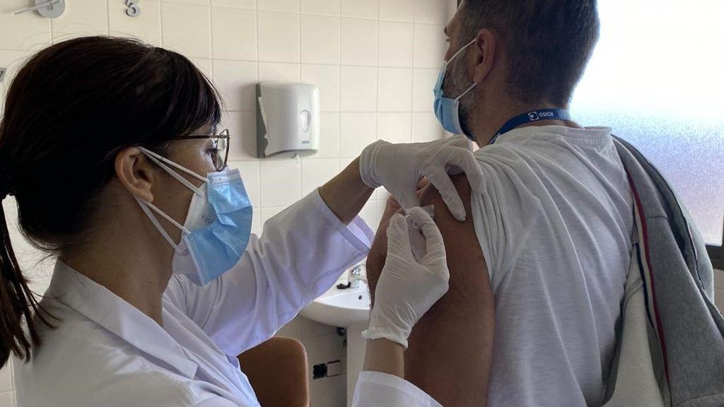 Gripe, meningitis, paperas y otras vacunas que son menos eficaces que las de la covid