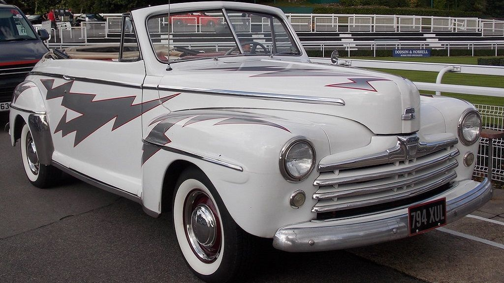 Ford Deluxe 1948