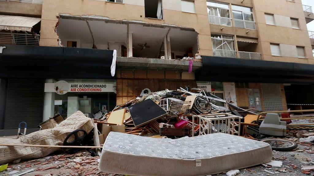 Buscan a un hombre en Torrevieja por hacer saltar su casa por los aires porque se llevaba mal con los vecinos