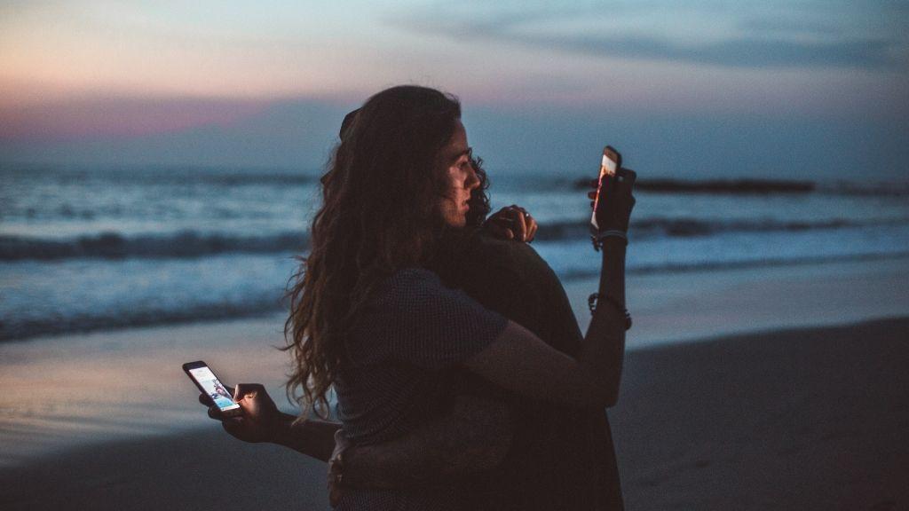 Nuestro cuerpo tiende a relajarse cuando se lleva algún tiempo en pareja