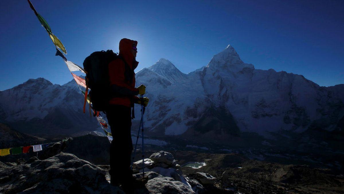 Los restos de microplásticos se encuentran hasta en la nieva de la cima del Everest